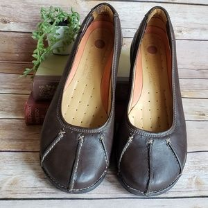 Clarks Unstructured Flats Women's 7.5 Brown EUC
